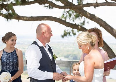 Alex and Lisa Love in Canberra Dairy Farmers Hill outdoor ceremony