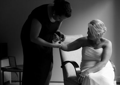Alex and Lisa Love in Canberra bride getting ready